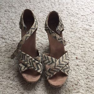 Toms wedge sandals size 7.5